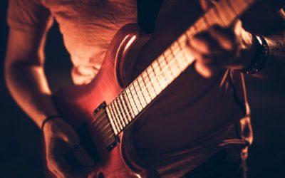 ¿Por qué ya no triunfan las canciones con guitarra?